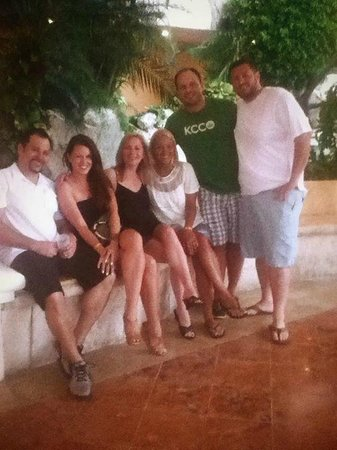 El Cozumeleño Beach Resort: We were a 30's and early 40's group. Had a blast.