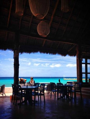 El Cozumeleño Beach Resort: Not a bad breakfast view.