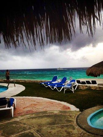 El Cozumeleño Beach Resort: One stormy day. Still gorgeous