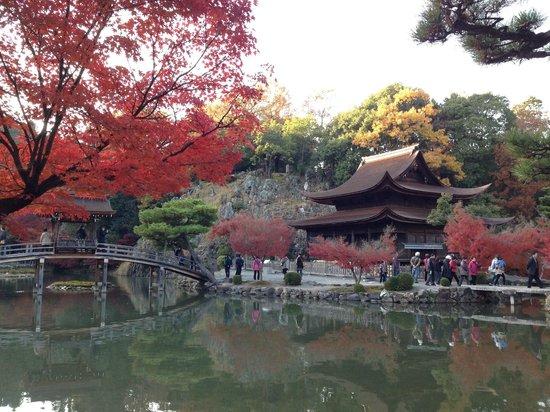 Kokeizan Eihoji Temple: 開山堂と池。