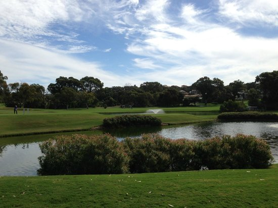 Joondalup Resort : Hotel grounds