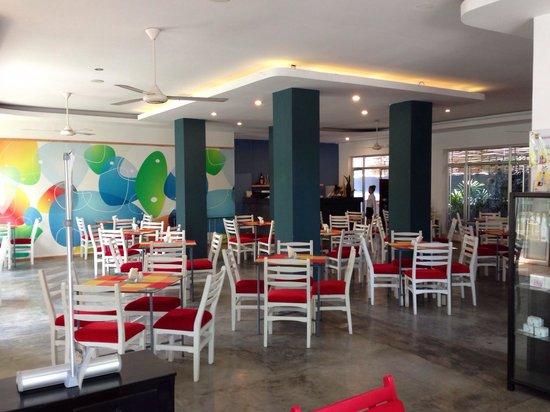 The Frangipani Living Arts Hotel & Spa: Breakfast room