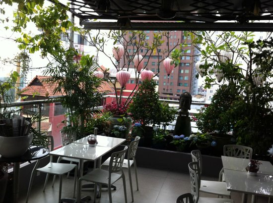 Saigon River Boutique Hotel : rooftop restaurant