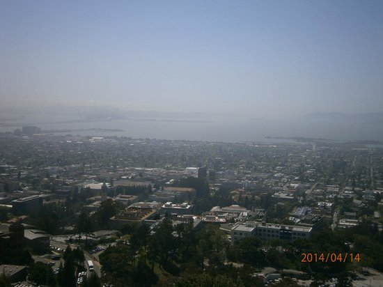 Lawrence Hall of Science : The view