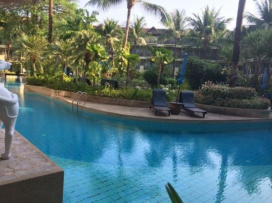 Merlin Beach Resort: swim up rooms are well worth it!