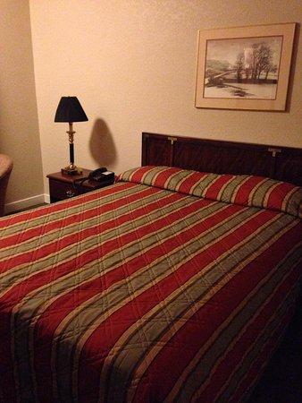 Econo Lodge Bay Breeze: Bed