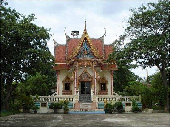 Wat Nake Khammaram: วิหาร