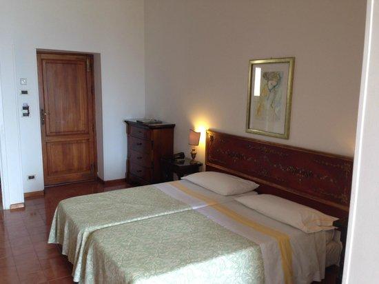Hotel Villa Paradiso: ベッドルーム
