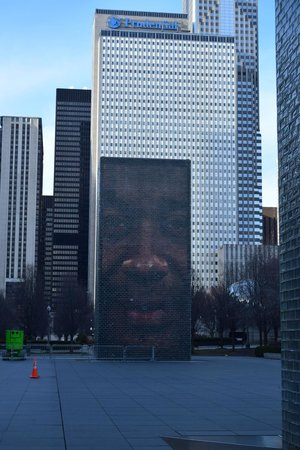 The Silversmith Hotel : the Crown Fountain in Millennium Park