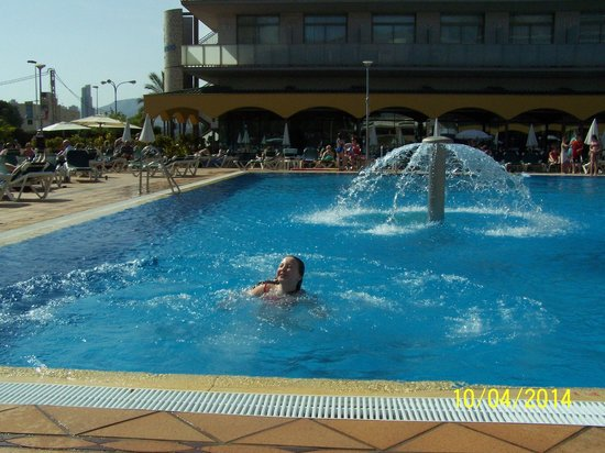 Hotel Mediterraneo Benidorm: at the Swimming Pool