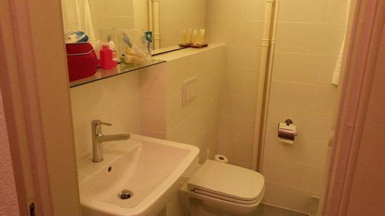 Hotel Montana: salle de bains