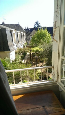 Hotel Diderot: The view from our bedroom out onto the gardens