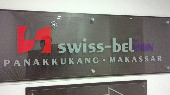 Swiss-Belinn Panakkukang Makassar : hotel sign