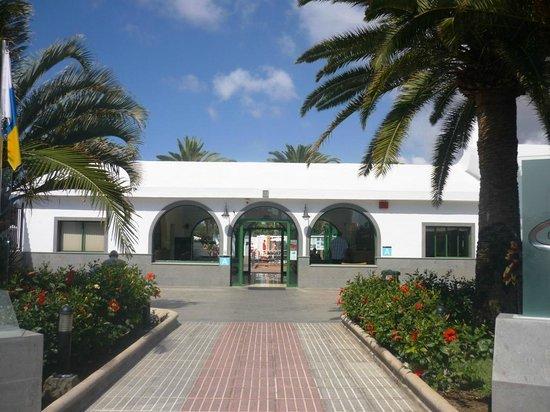 Canary Garden Club: Entrance to hotel