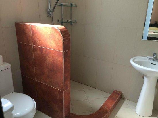Cohiba Villas : second bathroom