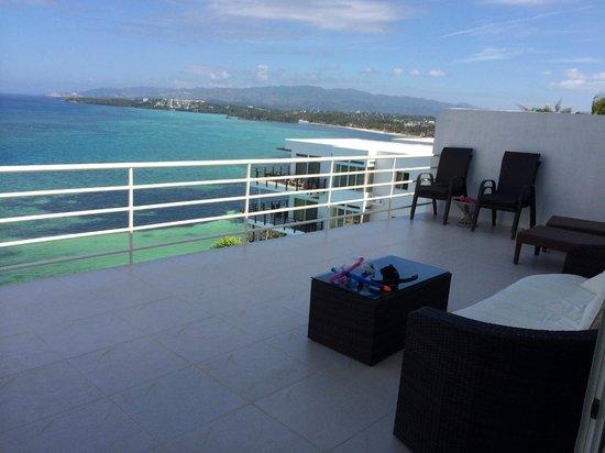 Cohiba Villas: balcony - right