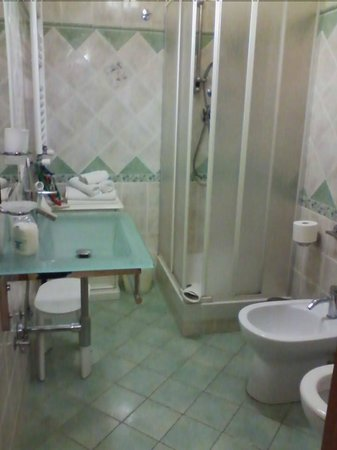 Nataly's House: bagno