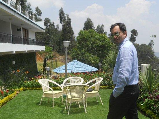 Mount 'n' Mist : Kashif...Garden View