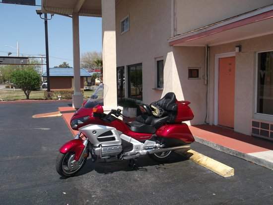 Rodeway Inn Lake City : My Goldwing parked in front of my room.