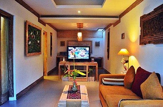 Ivory Resort Seminyak: vila 's living room