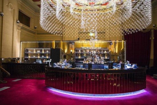 Stunning Chandelier - Picture of Chandelier Bar, Adelaide ...