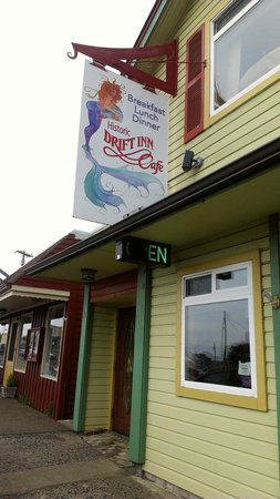 Ocean Cove Inn: Great Food nearby!