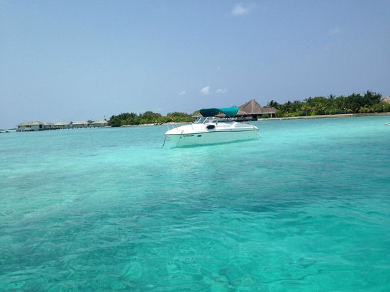 Club Med Kani : Front view