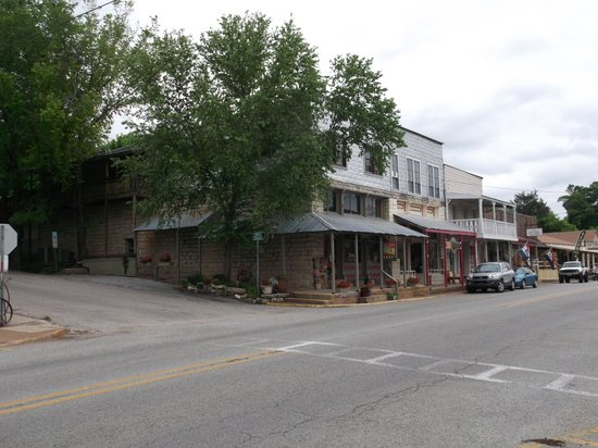 Days Inn Hardy: Beutiful little old town.