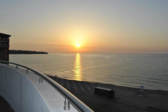 Sol Luna Bay: .