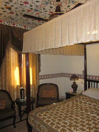 Umaid Bhawan Heritage House Hotel : room of the top floor