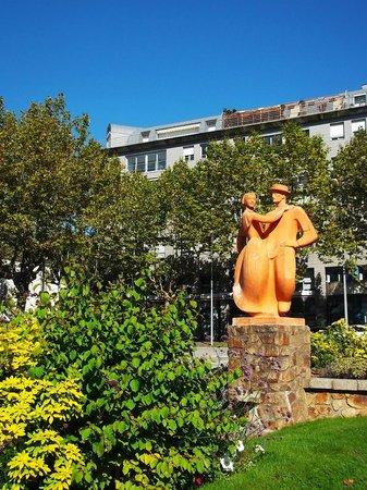 La Roche-sur-Yon, France : statue