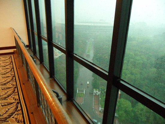 Century Park Hotel: Senayan Football Stadium on a rainy morning, from in front of my room
