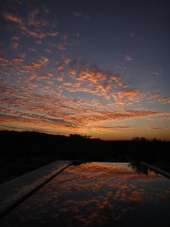 Villa Extramuros: Un soir à la piscine...