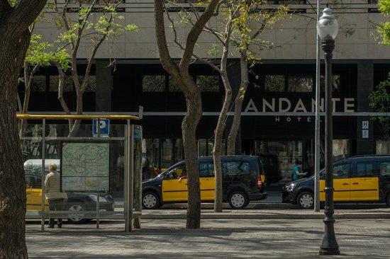 Andante : Eingangsbereich des Hotels