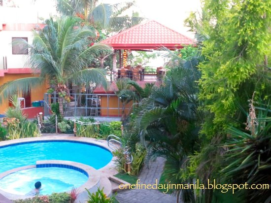 Lost Horizon Beach Dive Resort: View from the room