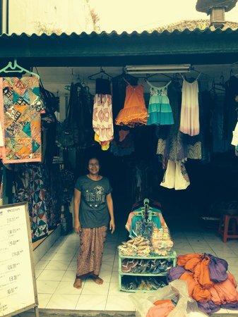 Peneeda View Beach Hotel: Annie's Shop.  Right next door to Bali deli. Sanur.  You'll fall in love!!