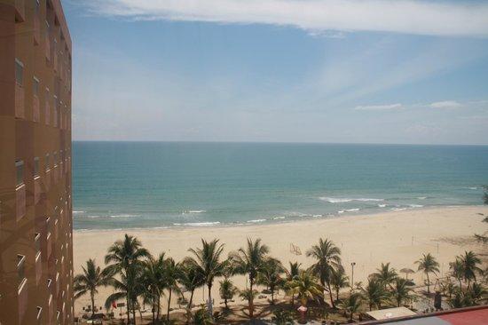 Primula Beach Resort Kuala Terengganu: View over pool and beach