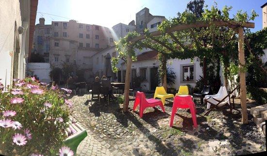 Casa do Patio by Shiadu : Bild från gården