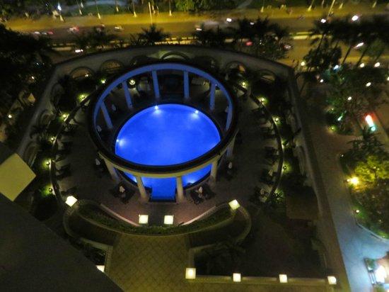 Sunrise Nha Trang Beach Hotel & Spa: Der Pool wirklich beeindruckend