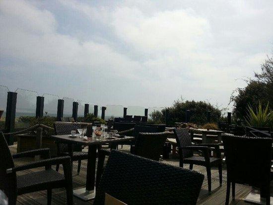 Mirador Le : Repas au bord de la plage