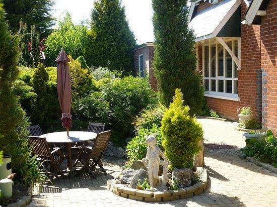 Halvergate, UK: Garden Front