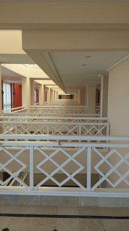 Hipotels La Geria: Walkways to each room 3rd floor