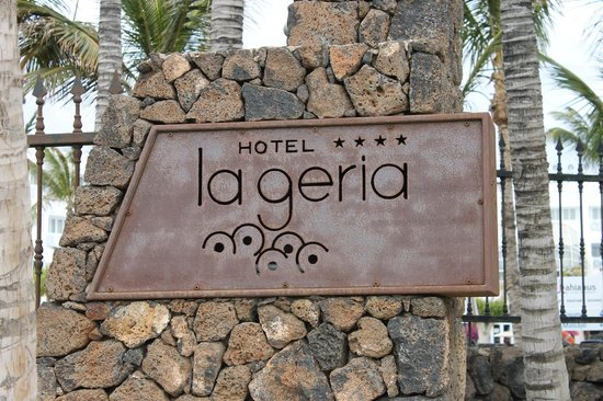 Hipotels La Geria : Beach Enterance to Hotel grounds