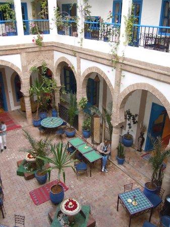Riad Al Madina : Vue sur le patio où se prend le petit-déjeuner
