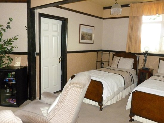 School Lodge Country Guest House: Sunrise Twin