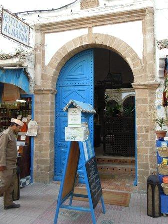 Riad Al Madina : Entrée du Riad au 9 rue Attarine