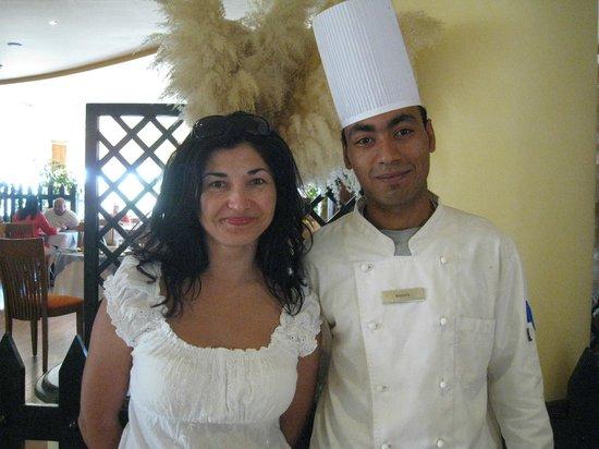 Hilton Hurghada Resort: с Мустафой(очень приятый наш поваренок))))