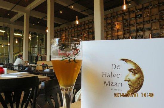 De Halve Maan Brewery : 醸造所のビアホール