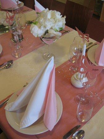 Wedding table at Hotel Krek