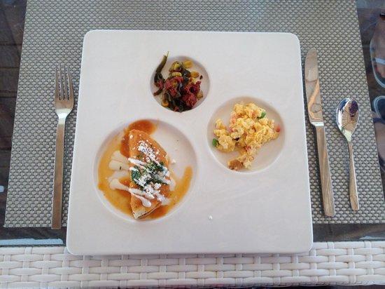 Beloved Playa Mujeres: Tasting breakfast at El Mar